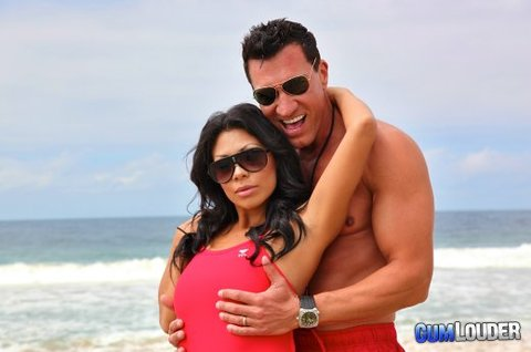 CONEJITOS.NET - Parodias del Porno de Cumlouder: Rocky y Los Vigilantes de la Playa - Sexo Gratis - Cibersexo - Chicas Amateur