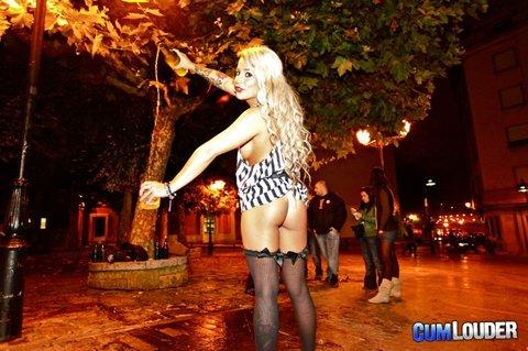 CONEJITOS.NET - Cumlouder grabando porno en la calle Corrida de Gijón - Sexo Gratis - Cibersexo - Chicas Amateur