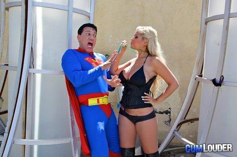CONEJITOS.NET - Cumlouder: Marco Banderas el Superman del porno y descuentos en septiembre - Sexo Gratis - Cibersexo - Chicas Amateur