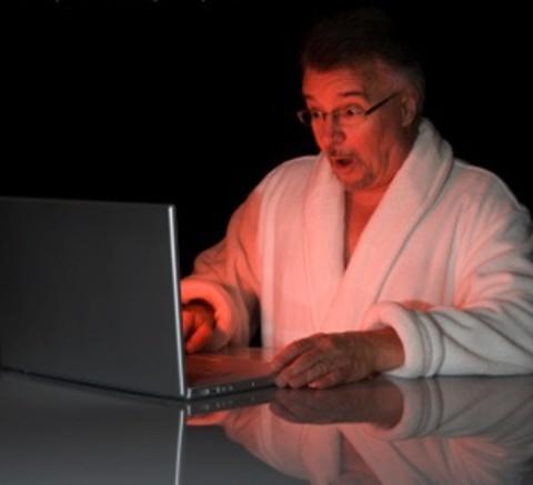 CONEJITOS.NET - Pajillero descubre en una sala XXX que su mujer es actriz porno - Sexo Gratis - Cibersexo - Chicas Amateur